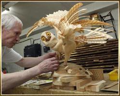 sergei-bobkov-sculpture-chouette-copeaux-de-bois-1.jpg