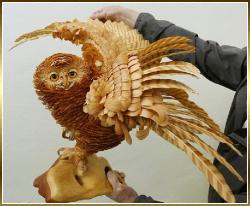 sergei-bobkov-sculpture-chouette-copeaux-de-bois.png